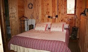 chambre en pin chalet pomme de pin chambre d hote formiguères arrondissement de
