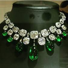 emerald stone necklace jewelry images Thejewellcloset stunning diamond emerald necklace jpg