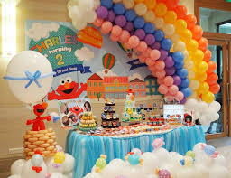 hot air balloon decorations elmo birthday elmo s hot air balloon party catch my party