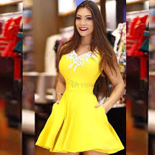 Formal Dresses With Pockets A Line V Neck Yellow Satin Short Homecoming Dress With Lace