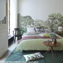 chambre papier peint idée déco n 3 une chambre avec un papier peint panoramique sur un
