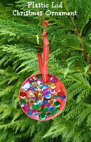 plastic lid christmas ornament perfect for kids to make fspdt