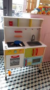 cuisine en bois jouet pas cher les jouets en bois d barquent chez lidl dans la peau d une fille con
