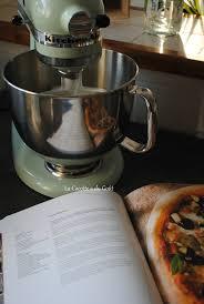 kitchenaid le livre de cuisine pâte à pizza du livre kitchenaid la cocotte a du goût
