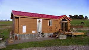 tiny house hunters hgtv love how she brought in her touches to