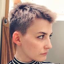 egdy haircuts women 60 yr 60 cute short pixie haircuts femininity and practicality short