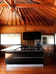 cuisine maison bois villa construction bois avec mobiteck maison bois massif