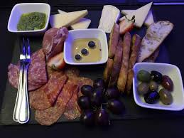 deco cagne chic cuisine top 5 charcuterie boards in mississauga insauga com