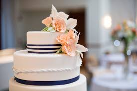 fondant wedding cakes fondant vs buttercream the sweetest wedding cake debate