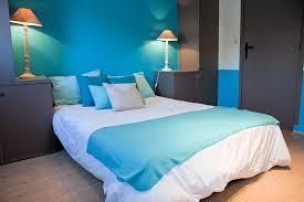 chambre bleu et peinture chambre bleu turquoise idées décoration intérieure