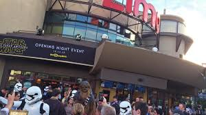 opening night fan event star wars the last jedi the force awakens the fans rejoice at disney s star wars opening