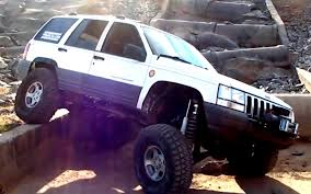 jeep prerunner jeep grand cherokee 4x4 project zj trail crossing ledge drop youtube