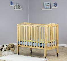 find out why the dream on me 2 in 1 lightweight folding baby crib