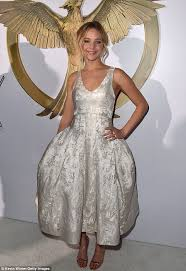 jennifer lawrence sings the lumineers u0027 the hanging tree for the