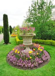 imagenes de jardines pequeños con flores jardines pequeos top diseo de jardines pequeos with jardines