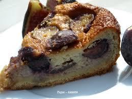 cuisiner des figues fraiches gâteau fond brioché aux figues fraîches pique assiette