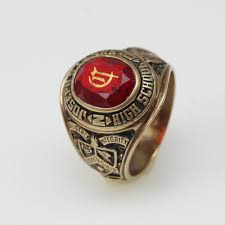 highschool class ring 10kt gold 13 1g joseph s clark high school class ring property room