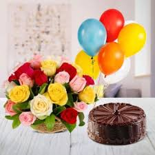 balloon and cake delivery send 1 2 kg cake 6 balloons 24 flowers basket online by giftjaipur