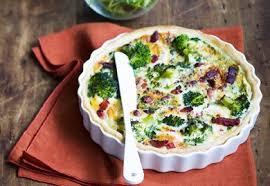 cuisiner le brocolis frais quiche au brocoli chèvre et lardons fumés recette interfel