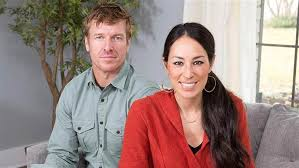 Joanna Gaines Parents Chip And Joanna Gaines Classroom Makeover Today Com