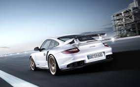 911 gt2 rs 620hp rwd 9 3s to 200km h just as fast as the