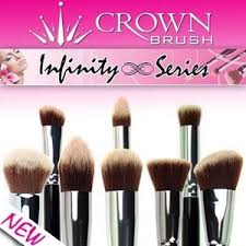 i finally received my hautelook order of the crown brush infinity set synthetic 7 brush collection i believe it was exclusively for hautelook
