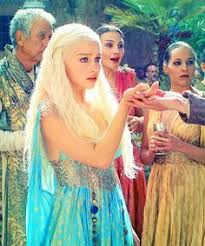 Game Thrones Halloween Costumes Daenerys Daenerys Targaryen Game Thrones Winter Coming