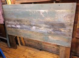 Distressed Wood Headboard by Best 25 Barn Board Headboard Ideas On Pinterest Reclaimed Wood