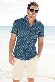 men u0027s blue print short sleeve shirt beige shorts navy sunglasses