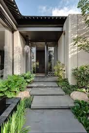 revetement pour escalier exterieur aménagement entrée extérieur donnez envie de franchir votre seuil