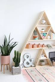 Cute Bookshelves by Triangle Bookshelf Cute Diy Alternative To A Traditional Shelf