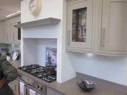 kitchen idea how to slot the hob into the chimney breast ideas