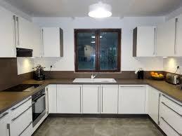 cuisine wengé cuisine tout en contraste laquée blanc et wengé bh déco