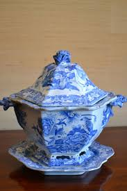 Pumpkin Soup Tureen And Bowls by 576 Best Tureens Images On Pinterest White Dishes Blue China