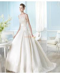 robe de mari e satin robe de mariée princesse satin dentelle boutons