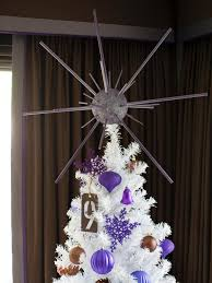 Hgtv Christmas Decorating by 18 Awesome Elf On A Shelf Ideas For Christmas Hgtv U0027s Decorating