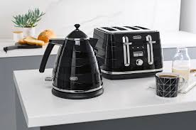De Longhi Kettle And Toaster Delonghi Avvolta 1 7l Kettle Kettles Small Kitchen Appliances