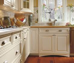 Kitchen Glazed Cabinets White Cabinets With Glaze In A Traditional Kitchen Masterbrand