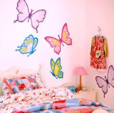 dessin mural chambre fille des stickers muraux dans une chambre d enfant zinezoé