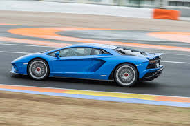 Lamborghini Aventador Side View - 2018 lamborghini aventador s side in motion 08 1 motor trend