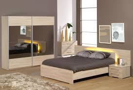 chambre top model chambre a coucher moderne en bois massif gallery of durable