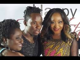 sister curls her brother hair ini edo takes her siblings for a movie night out to celebrate her