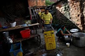 no visas bad jobs venezuelan emigrants reluctantly return home