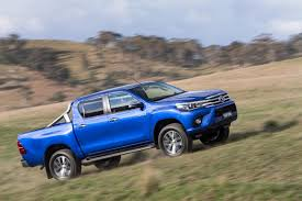 toyota truck hilux 2016 toyota hilux debuts with 177hp diesel 33 photos