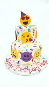 smiley birthday cake taarten van fiona pinterest smiley