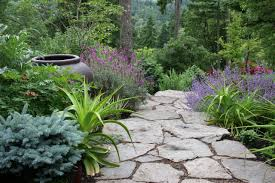 classic country small garden decorating ideas beautiful small