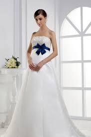 robe de mariã e bleue robe de mariée enceinte en satin avec ceinture noeud papillon bleu