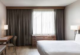Comfort Suites Downtown Chicago Downtown Chicago Upscale Hotel Room Accommodations Ac Hotel