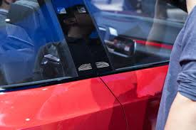 volkswagen u0027s id crozz looks electrifying in red cetusnews