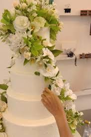 wedding cake ny sylvia weinstock cakes wedding cake new york ny weddingwire